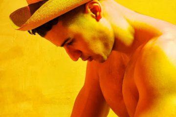 Lee-Constantinou-vintage-hat