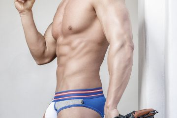 JohnEstesinTimoteounderwear01