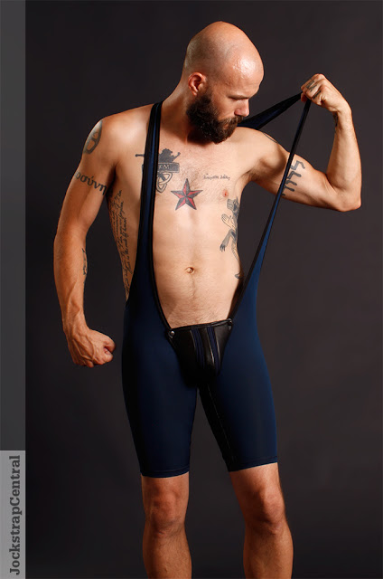 jsc-maskulo-fetish-wrestling-singlet-with-codpiece-3