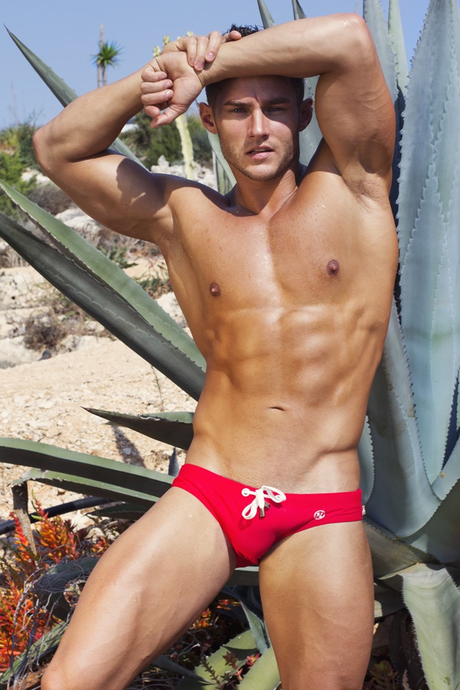anatoly-goncharov-by-artem-subbotin-in-marcuse-tropical-red-front
