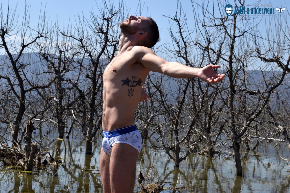 Stathis Kapravelos - Men and Underwear - Walking Jack