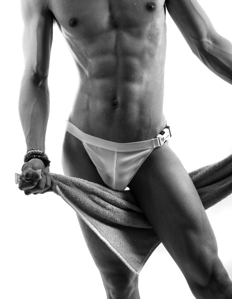 AMERICAN BODY - Wilfred Wong photographed by Baldovino Barani for Rufskin