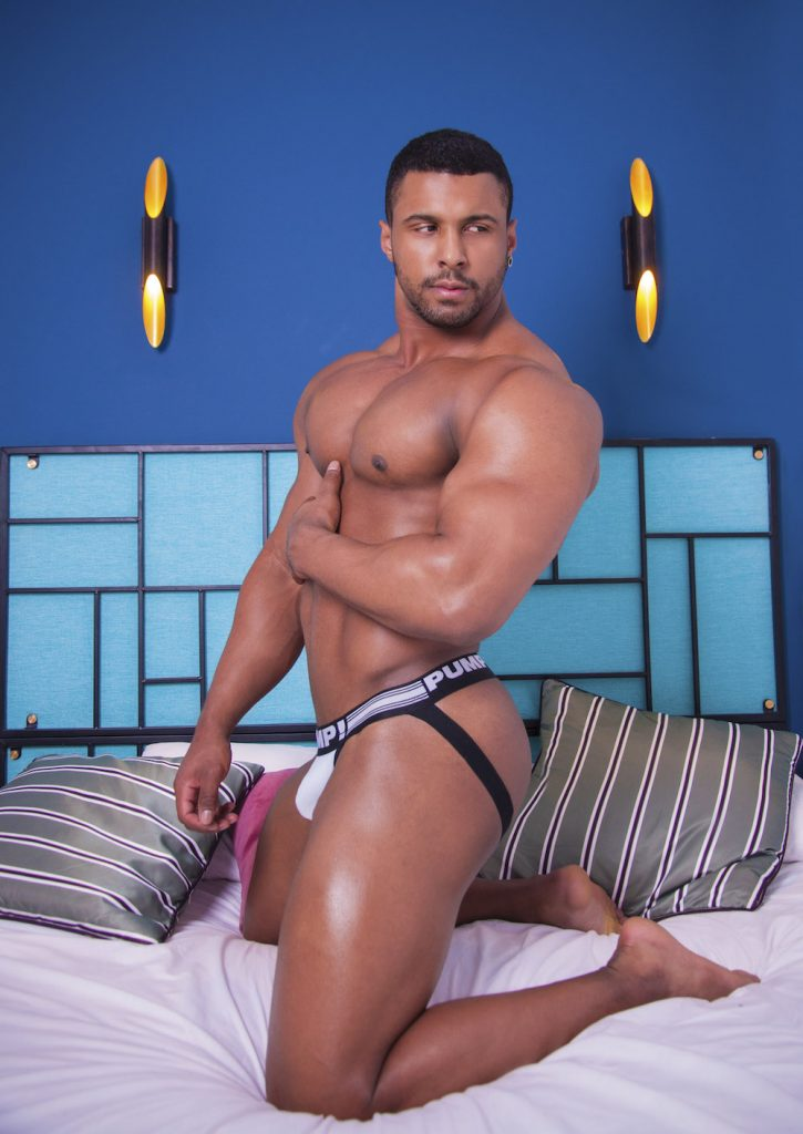 Pump underwear - Eric Uchoa by Inch photography