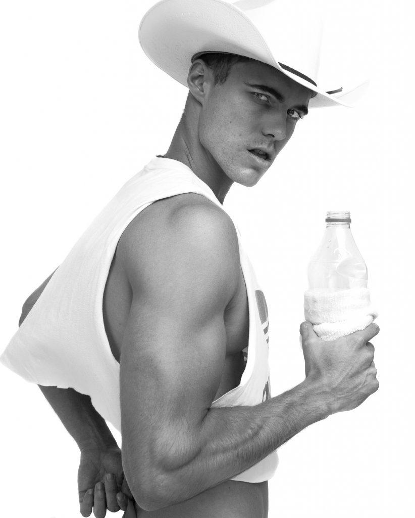 Model Scott Morton by Baldovino Barani - FACTORY Fanzine